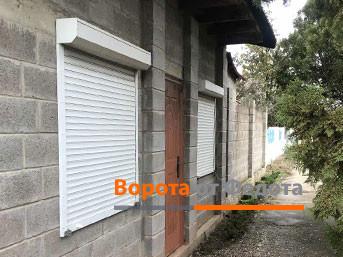 Защитные роллеты на окна частного дома. Симферополь, Дубки
